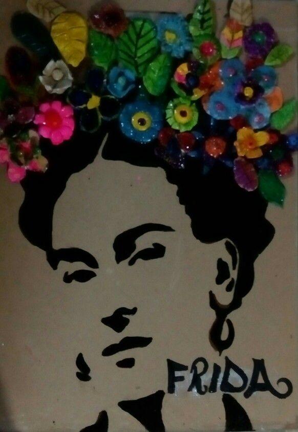 Maya Ozel okullari-Tema,'canlilar' 4.sinif Frida şablon portre,seramikten cicek calismasi