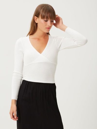 Beautiful white top for a stylish classic look