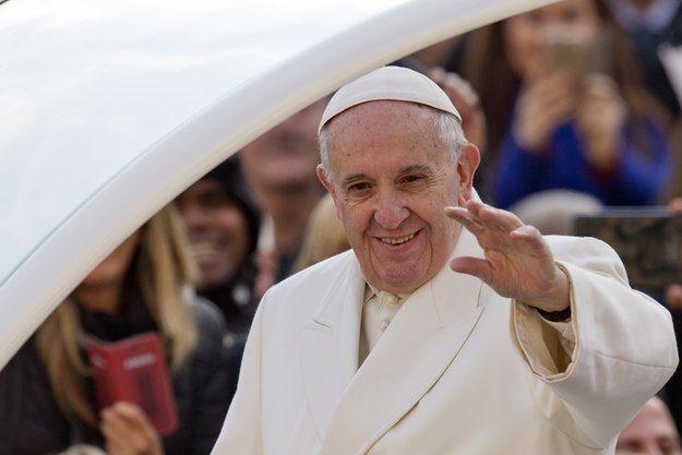 """Påven Franciskus har bett om """"förlåtelse och barmhärtighet för det icke evangeliska förhållningssättet från katolikernas sida gentemot de övriga kristna samfunden"""" inför högtidlighållandet av reformationen i Lund i oktober."""