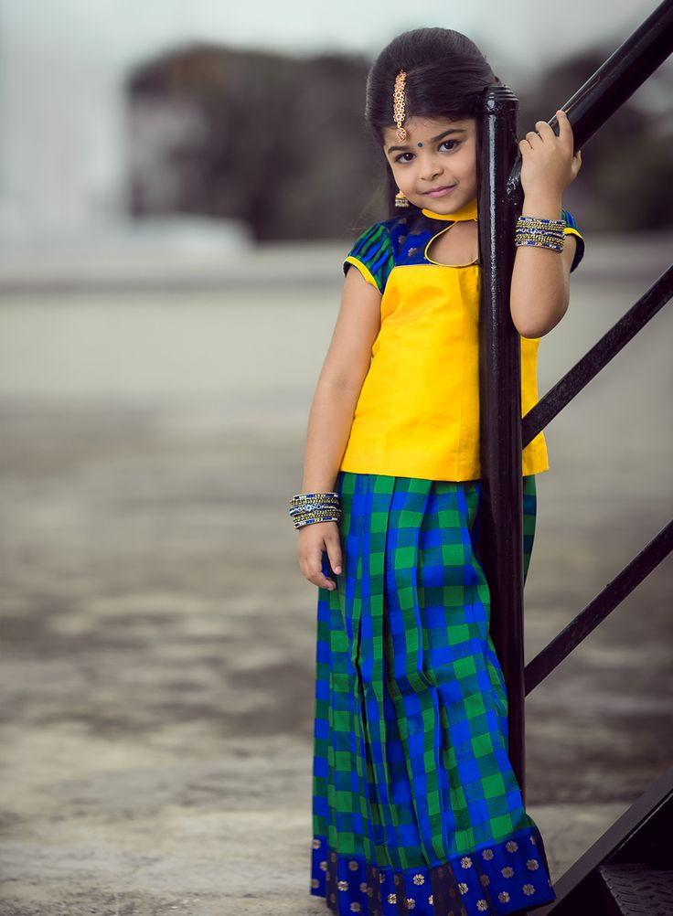 We love simplicity and we are sure that your kid will look ravishing in this colour combination! Check it out! :)