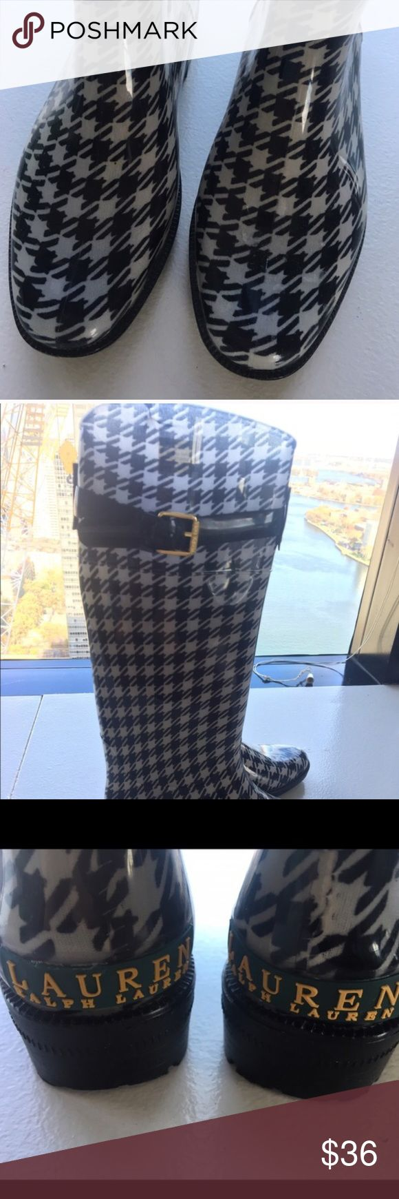 Ralph Lauren black and white rain boots Gently used, boots can have some sign of wear on the insoles. Boots are in good conditions Ralph Lauren Shoes Winter & Rain Boots