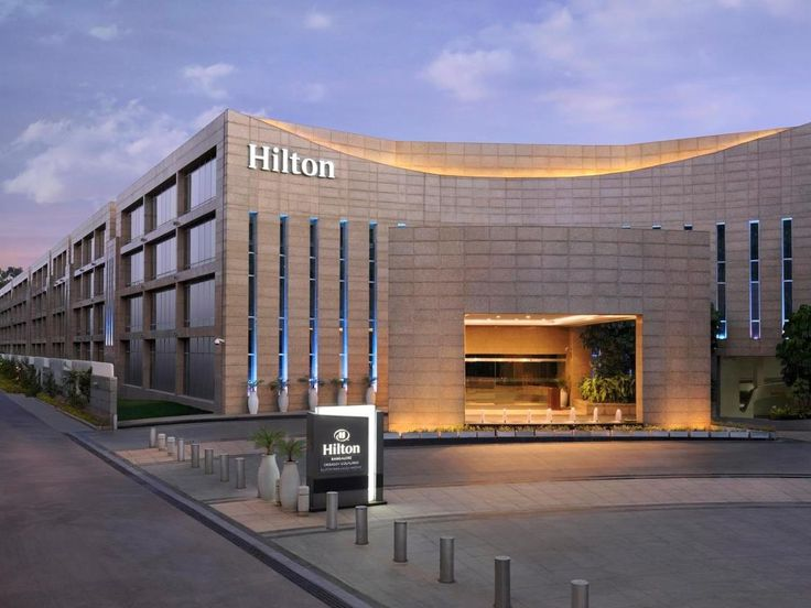 #HiltonBangaloreEmbassyGolfLinks , #Bangalore, Located at the intersection of Indira Nagar and Koramangala and Kempegowda International Airport is just an hour's drive away. Enjoy homelike amenities including WiFi, an ergonomic work area, a 40-inch HDTV, and an aqua TV in the bathroom.  #bangalorediaries #travel #india