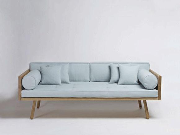 Her får du massere af inspiration til ny sofa og indretning. Se alle de nyeste sofaer og meget mere...