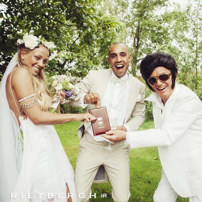 beige morning coat - beige tailcoat - beige wedding suit - Beige trouwpak Beige wedding suits - Beige trouwpakken - suits - maatpakken - trouwpakken - trouwpak op maat - bruin trouwpak - Rietbergh - menswear - fashion - wedding trends -