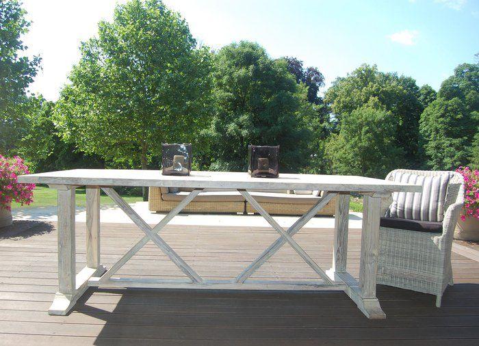 Stół z drewna akacjowego bielonego CONCEPT  http://domotto.redcart.pl/p/31/3878/stol-drewniany-bielony-concept-220x100x78-cm--stoly-drewniane-meble-do-ogrodu.html