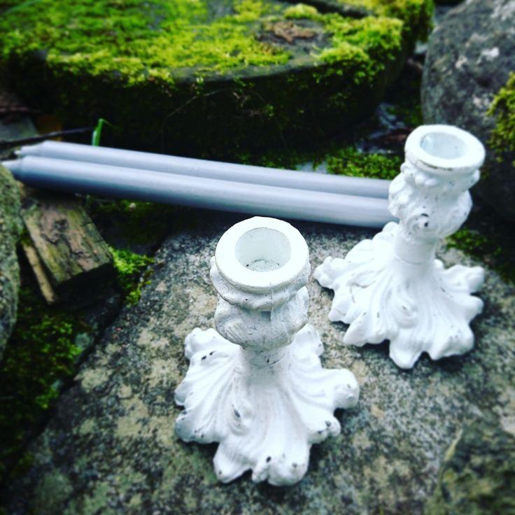 Snygga ljusstakar i gjutjärn från Affari Of Sweden. Välkommen att se mer i webbutiken www.rustiktochfint.se