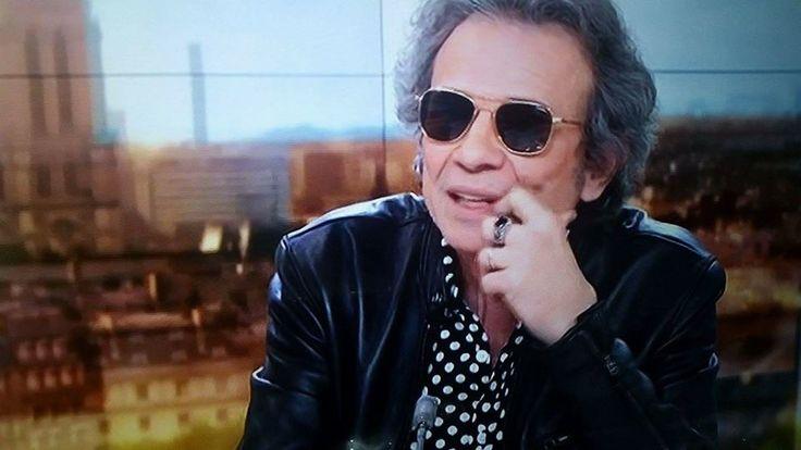 Philippe Manoeuvre au JT de 20h de France 2 porte les lunettes de soleil aviator HGU-4/P d'American Optical !  www.aoeyewear.fr  #lunettesaviator #lunettesdesoleil #aoeyewear #americanoptical #hgu4p #originalpilot #philippemanoeuvre #rock #rockeur #style #mode #madeinusa