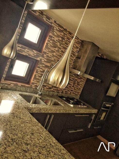 Casa Mayorazgos: Cocinas de estilo Moderno por AP studioarq