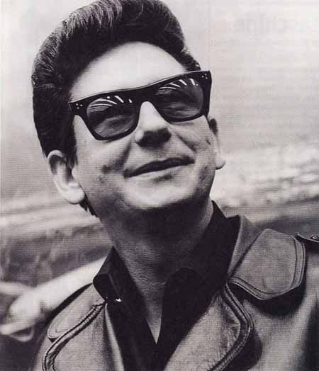 Roy Orbison  1936-1988 (Age 52) Died from a Heart Attack Elvis once told him, he was so glad Roy wasn't pretty like him. they were buddies.