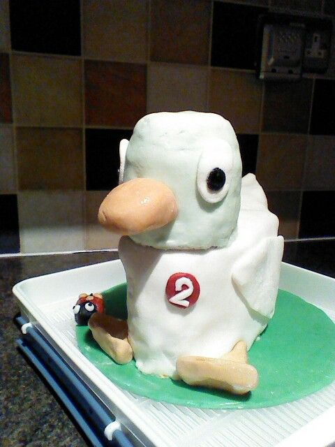 Duck from 'Sarah and Duck' Cake