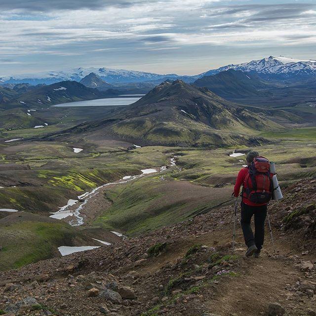 Pl Zielono U Was Pachnie Kwitnacymi Jabloniami A Bzy Troche Tesknie Bo Ten Mech Islandzki Ciagle Czeka Na Lepsza Pogode Natural Landmarks Landmarks Nature