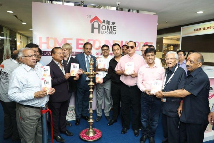 Fair Directory being launched. Seen in Pic. Shri Dinesh Kumar, Chairman - EPCH, Shri Rakesh Kumar, ED-EPCH, Shri Saran, President Fair, Mr. Ian Snow, buyer from UK and COA members of EPCH. #HomeExpo #TradeShow #EPCHIndia