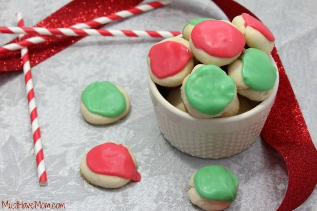 Grandma's Melting Moments Cookies Recipe... Yum!  These freeze well, so they can be made ahead of time for busy holiday get-togethers.