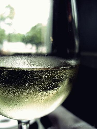 Lekkie #wino z wodą i syropem - doskonałe na letnie wieczory :)  #SlightlyDelicious