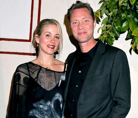 Christina Applegate Marries Martyn LeNoble!