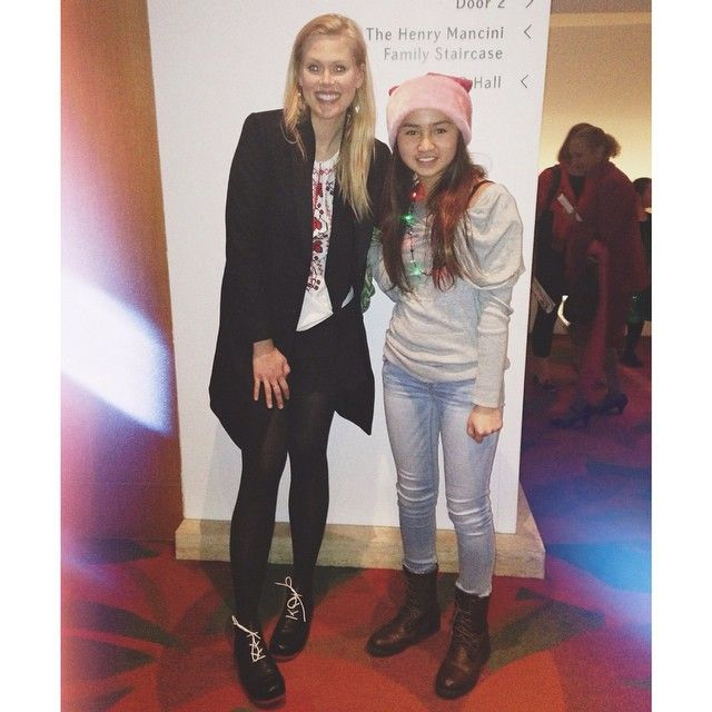 Janet varney with fan