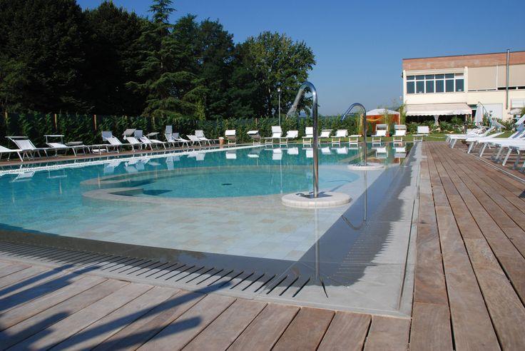 Sole, caldo e ... la nostra piscina.  #egowellness #lucca #sole #estate #piscina #swimmingpool