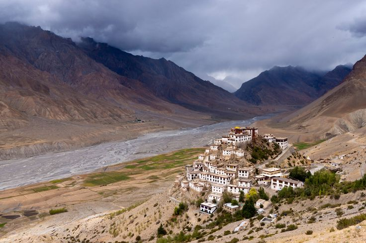 Breath taking Ki Monastery in the Spiti Valley, northern India  #SpitiValley #India #KiMonastery #Landscapes