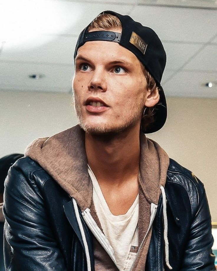 Pin by Reem Tan on Avicii ⭐️ in 2019 | Musica electronica ...