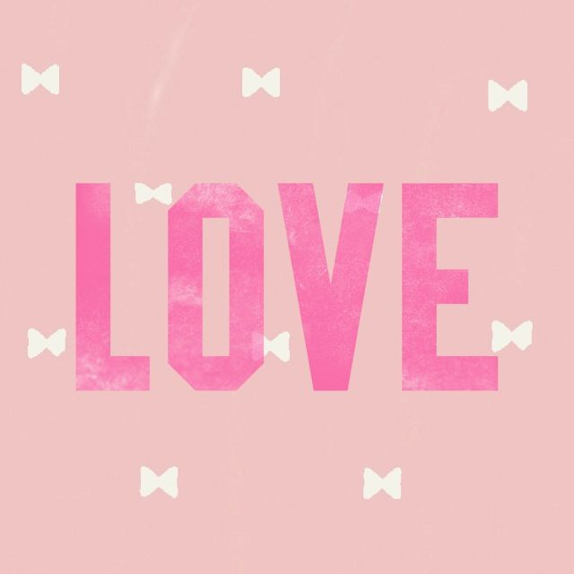 Pink nation app & cocoppa app made a lovely wallpaper for meeee.
