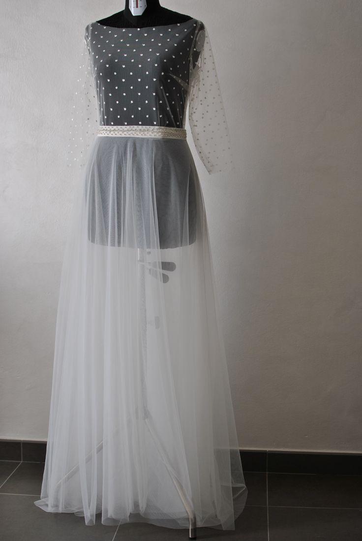 Gonna in tulle e coprispalle plumetis da aggiungere per impreziosire e trasformare in vestito da sposa un abito della cliente Favole di Seta Sartoria Torino