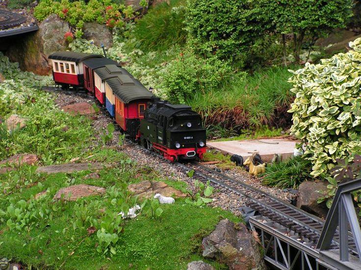 17 best images about garden trains on pinterest gardens for Garden railway designs
