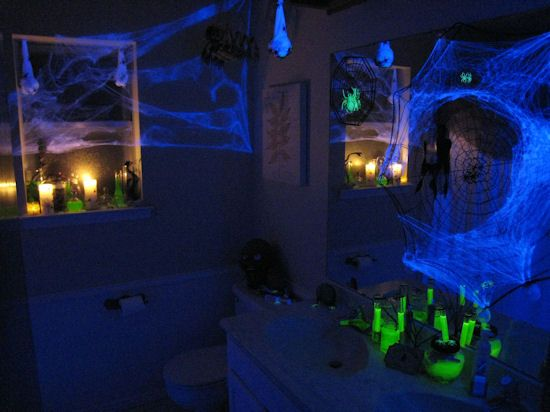 blacklight room to rage in & The 84 best Halloween Blacklight UV Ideas and Decorations images on ...