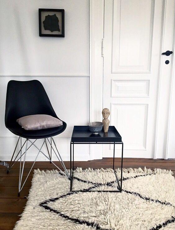 Beni Ouarain for sale | 145 x 120 | 5.500,- | www.marokkoindretning.dk  Interior decór Scandinavian home style bedroom bathroom living rug indretning tæppe beni ouarain