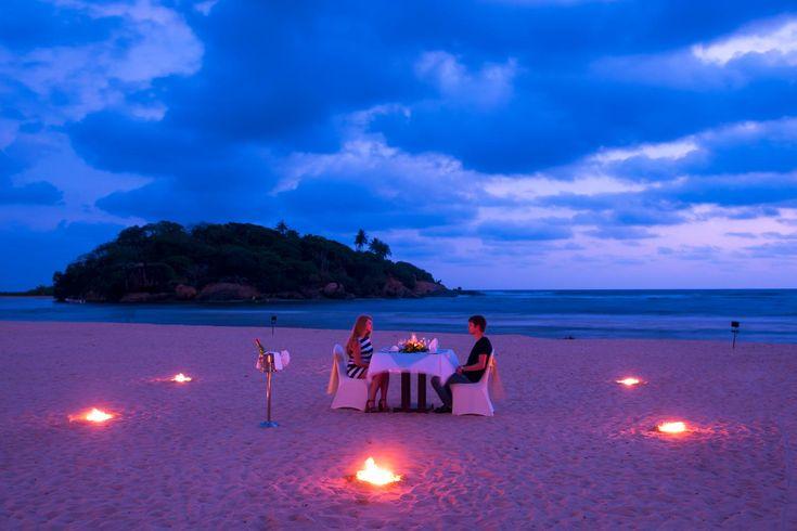 """Sri Lanka…paesaggi ricchi di sfaccettature, fatti di verdeggianti colline, sconfinate piantagioni di tè, risaie, giungle lussureggianti, natura incontaminata e spiagge contornate da una rigogliosa vegetazione di tipo tropicale e bagnate da un mare ricco di colori: lo Sri Lanka è tutto questo e molto di più! Village Premium Trascorrere una vacanza rilassante e con tutti i comfort nella """"Perla d'Oriente"""" è possibile grazie alVillage Premium Sri Lanka, un vero gioiellino a 5 stelle, a sud…"""