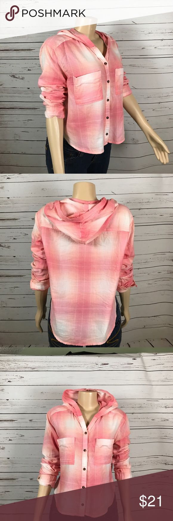 Hollister crop hooded pink flannel shirt size L This soft flannel would be a good layering piece for any season.  Cropped length and good.  Size L I am a suggested user with hundreds of 5 star ratings!!  I love bundles and reasonable offers! Hollister Tops Button Down Shirts