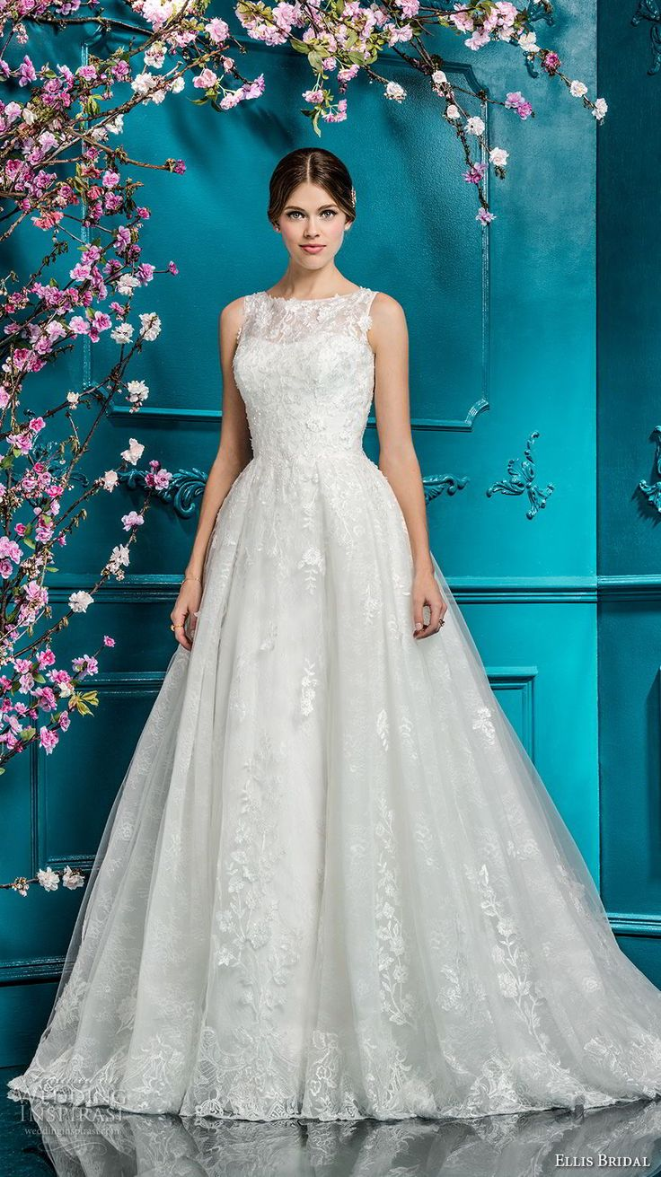 441 best Wedding dresses images on Pinterest | Wedding dressses ...