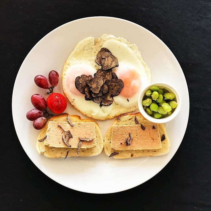 2016.12.15  Fair weather on Thursday  One luxury dish  Pâté of foie gras Fried fried eggs covered with truffles Seasoned with truffle salt Tea bean peperoncino With fruit  Please have luxury.  好天の木曜日  贅沢な一皿を  フォアグラのパテ 目玉焼き トリュフまみれ トリュフソルトで味付け 茶豆のペペロンチーノ フルーツと  どうぞ贅沢を #instagood #photooftheday #happy #followme #instadaily #repost #vscocam #vsco #instapic #instacool #yummy #instafood #lunch #dinner #instalike #yummy #IGersJP #onthetable #foodstyling #feedfeed #elleatable #barredevink #yolo…