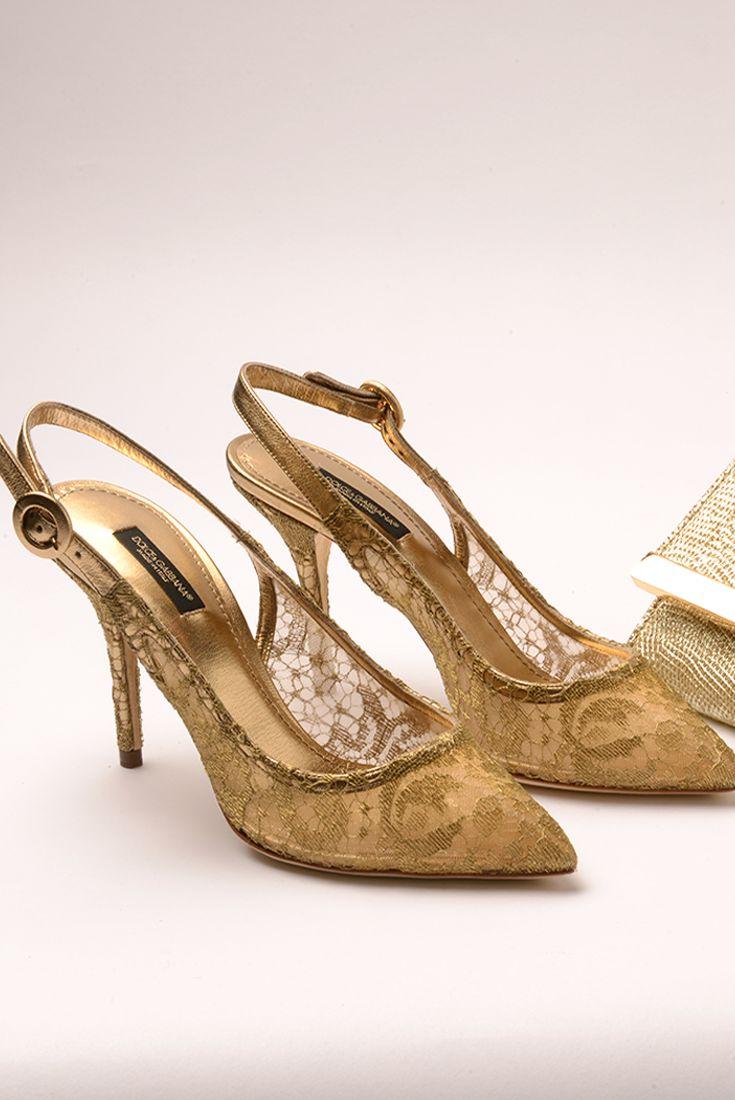Decolleté D&G - Evolution Outlet Shop #Evolutionoutlet #D&g #Scarpe #decolleté #style #punta #eleganza  #calzature #grandifirme #pizzo #ricamo #oro #gold #style #vogue #cinturino #shopping #Polignanoamare #Evolutioncard #modadonna #fashionpuglia #Puglia #modadonna #igs #igersbari #igerspuglia #shopping #dopoilmarevolution #shoppolignano #cool #bloggers #instapuglia #weareinpuglia #trend #tendenze #vintage  #saldiprivati #Primafila #concorso #clubevolution #evolutionfan