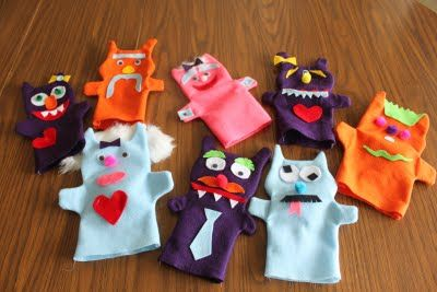 Have the kids make their own monster puppets for a favor and fun craft to take home #monster #birthday #party