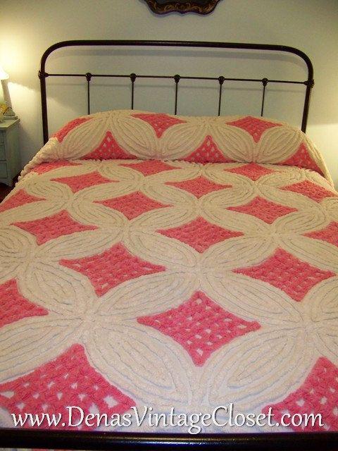 vintage pink u0026 white chenille bedspread tassels - Chenille Bedspreads
