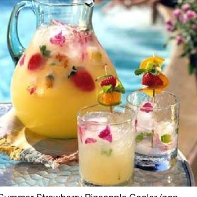Strawberry pineapple cooler, non alcoholic beverage :)