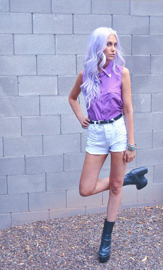 she is fabulous.: Purple Hair, Hair Colors, Simple Hairstyles, Violets Hair, Hair Style, Pastel Hair, Lavender Hair, Lilacs Hair, Colors Hair