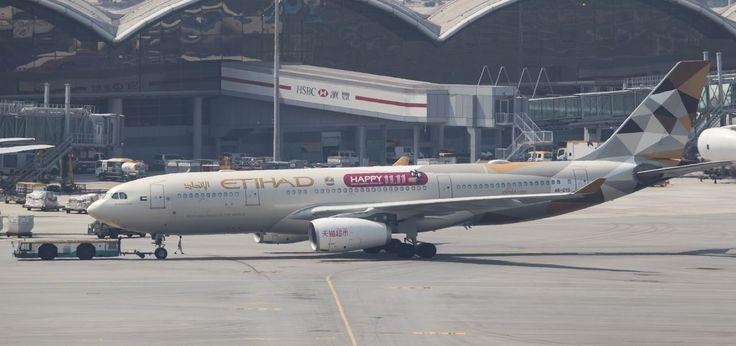 Puesto 6. Etihad: Abu Dabi (AUH) – Los Ángeles (LAX); Tiempo de vuelo: 17 horas; Distancia: 13.502,39 km; Avión: Boeing 777-200LR