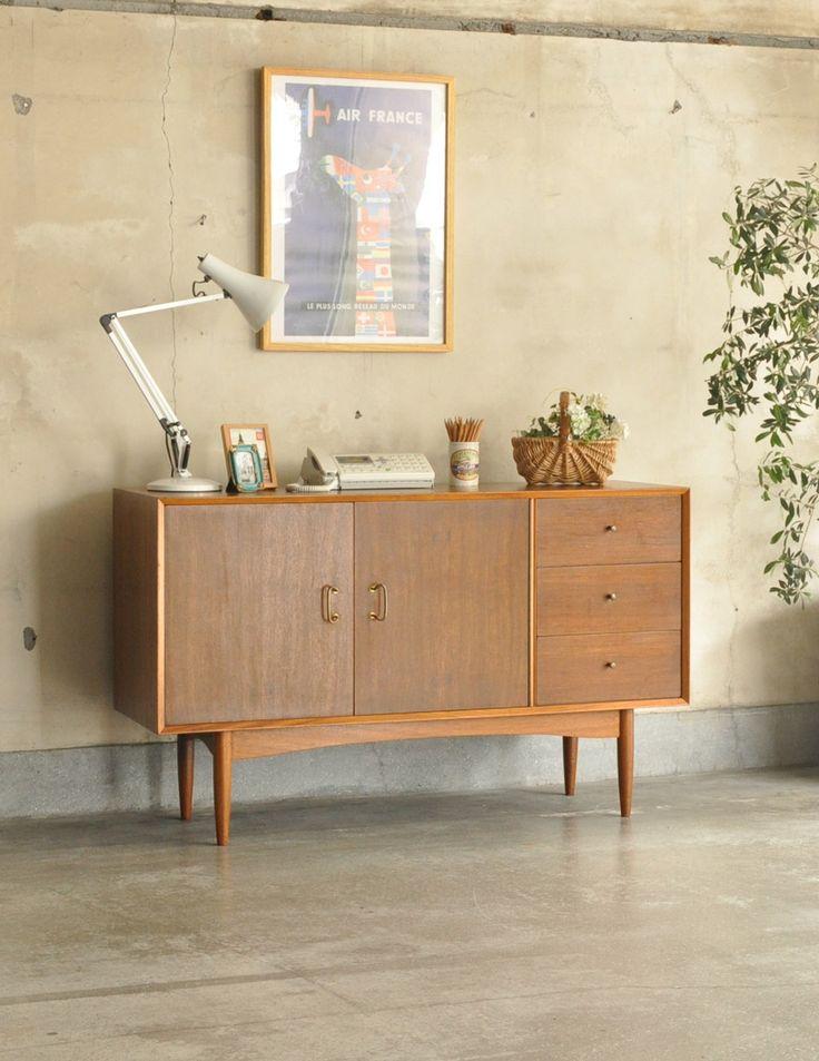 シンプルなビンテージ家具、小さなサイズのサイドボード(テレビ台)(k-1249-f)