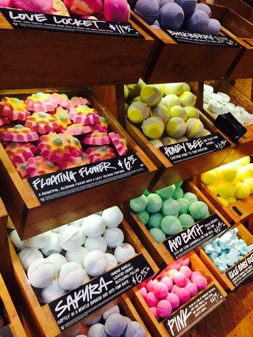 NOW-Lush is popular handmade cosmetic brand that only uses vegetarian or vegan recipes.