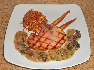 Shawna's Food and Recipe Blog: Côtelette de Porc Fumé aux oignon doux champignons à l'estragon beurre blanc, carotte pourpre, et meule de fo...