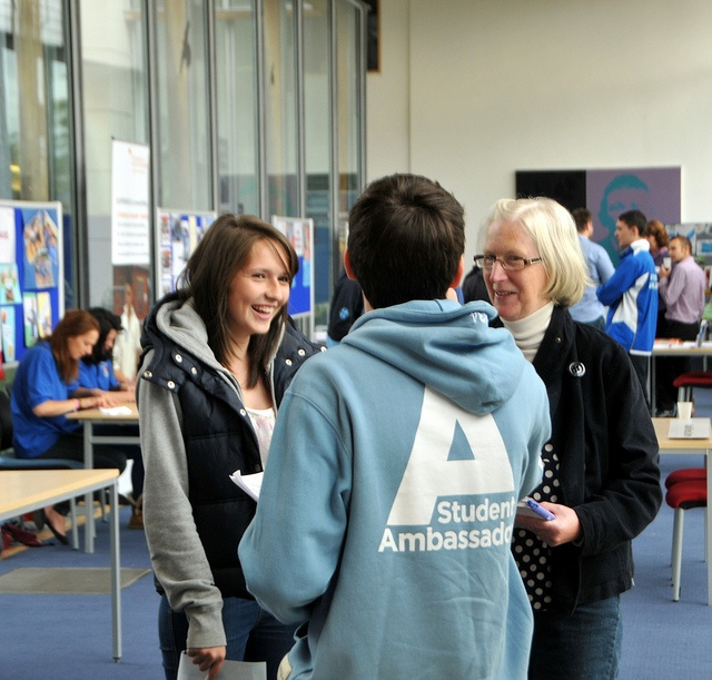Becoming a Student Ambassador and making a difference - http://www.flickr.com/photos/uniofglos/6265729065/in/set-72157627943633618