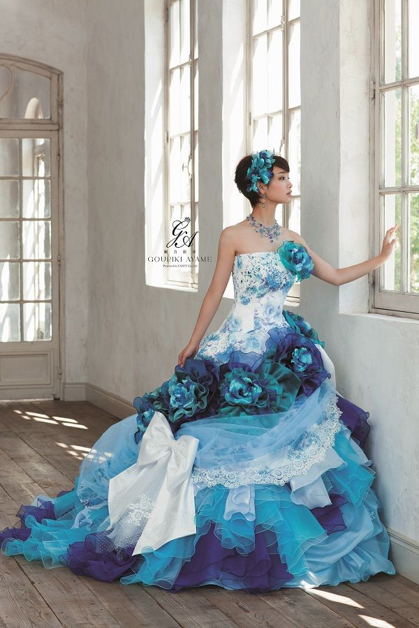 | Costume rental, wedding dress rental Plaza Niko in Gifu, Nagoya | Herculean strength Aya bud COLLECTION dress