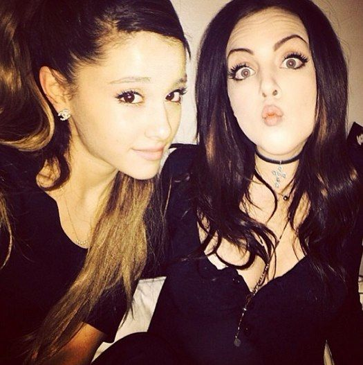 Ariana Grande and Liz Gillies hang out!