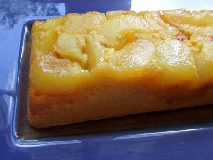 Pour cette belle recette bien réussi si vous avez de l'huile d'amandons de pruneau, ça peut être le moment de l'utiliser à la place de l'huile d'amande utilisée ici. C'est excellent! - Recette Dessert : Gâteau moelleux aux nectarines blanches et...