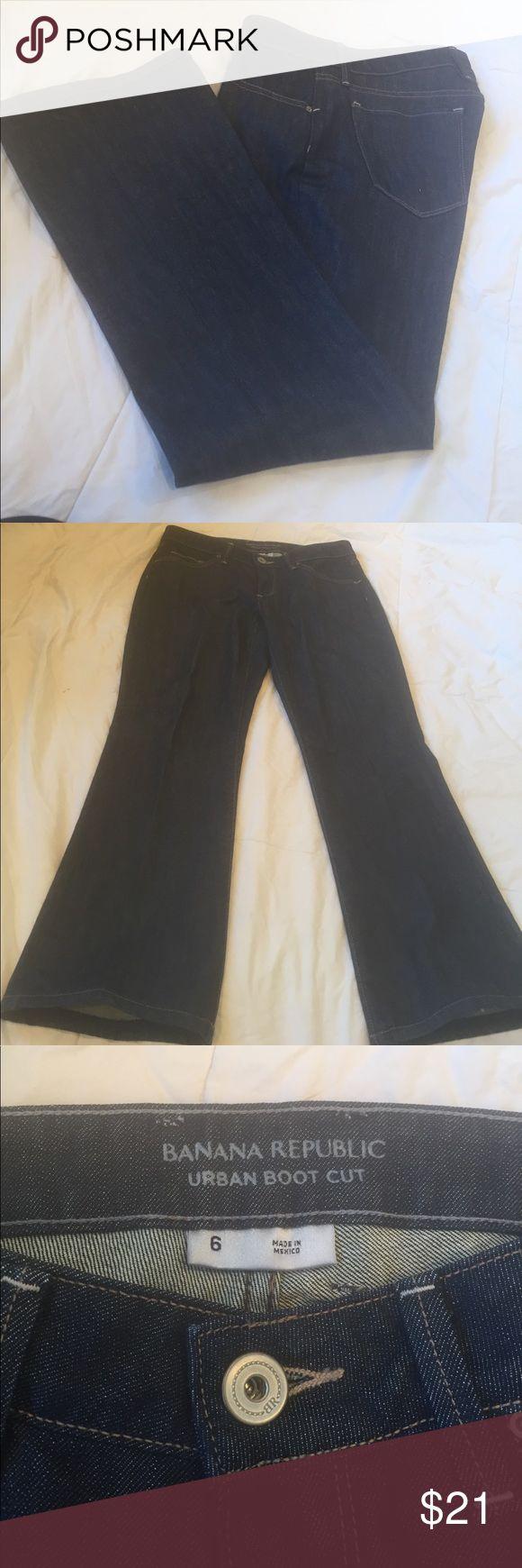 BANANA REPUBLIC URBAN BOOT CUT JEAN BANANA REPUBLIC URBAN BOOT CUT JEAN, dark blue jean. Wear one time. Good for weekend or Friday work casual Banana Republic Jeans Boot Cut