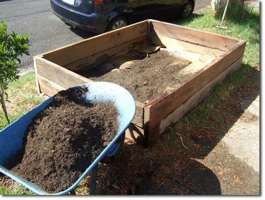 The 25 best ideas about cheap raised garden beds on for Cheapest way to make raised beds