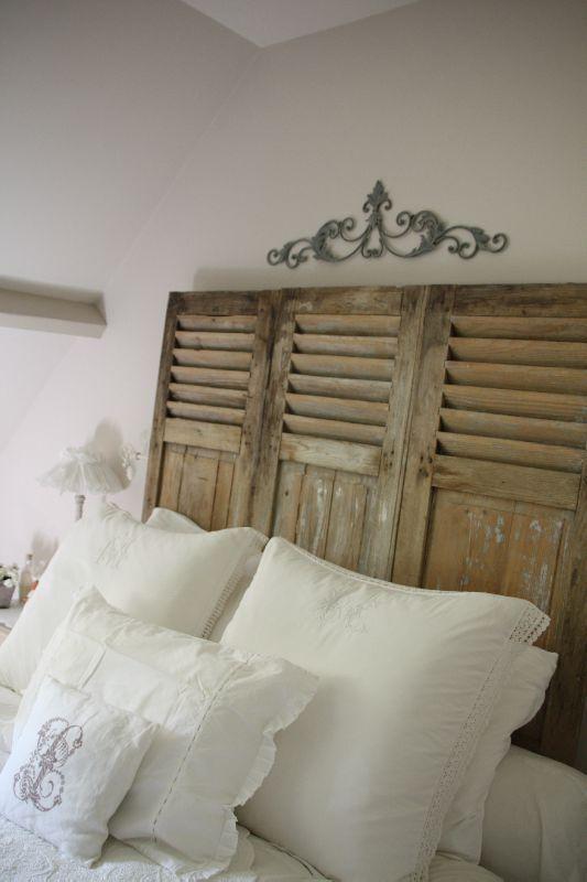 linge ancien armoire achet e en vide grenier restaur e et peint en blanc pour remplacer la. Black Bedroom Furniture Sets. Home Design Ideas