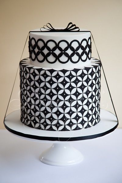 215 Best Cakes I Like Black White Images On Pinterest Biscuits Cakes And White Wedding Cakes