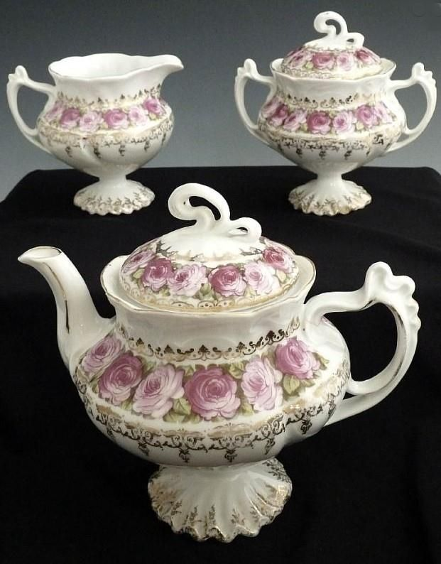 Victorian era porcelain tea cup - During the Victorian era, only two large main meals were eaten per day, breakfast and a very late dinner.
